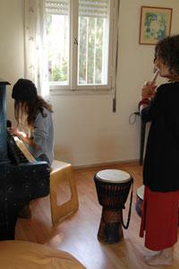 טיפול באומניות, מוסיקה, תנועה
